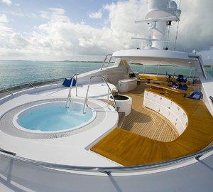 Jacuzzi Pool On Board Yacht BROADWATER
