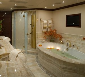 CASINO ROYALE -  Master Bath