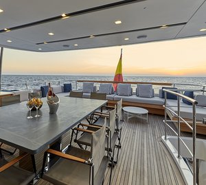 MY TAKARA - Alfresco dining upper deck