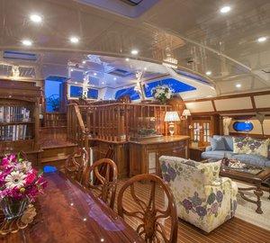 Sailing yacht WHISPER -  Main salon