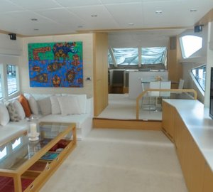 Yacht BIONDA -  Salon looking forward