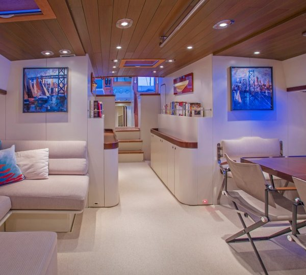 Tananai salon luxury yacht browser by charterworld for A suite salon jupiter