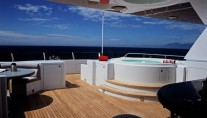 Flybridge Spa Pool - - Image by Delta Marine