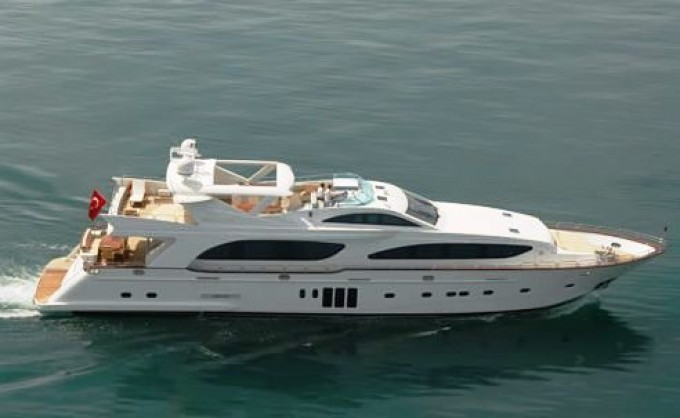 NAUTICALweb - Lazzara Yachts 110