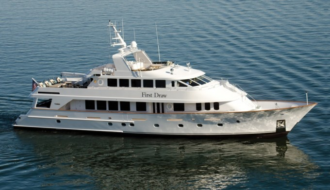 Motor yacht FIRST DRAW - Exterior 1