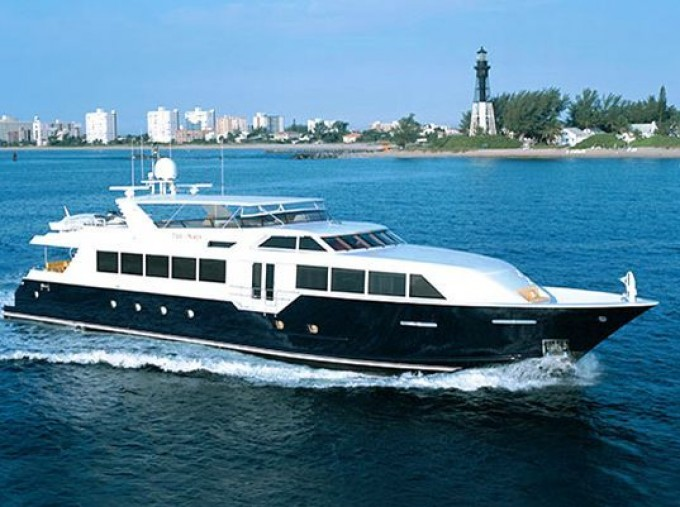 Motor yacht TRUE NORTH - Photo Credit Broward Yachts