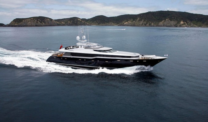 Yacht COMO - Image Courtesy of Alloy Yachts