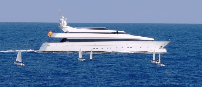 AKHIR 145 - Photo Credit Monaco Yacht Spotter