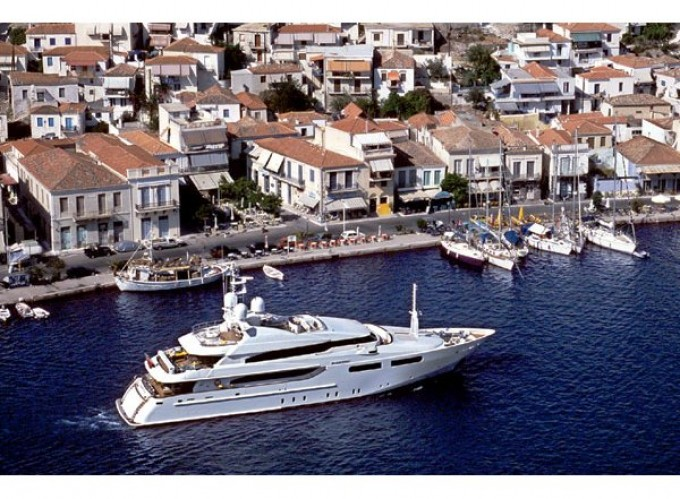Yacht MAGNIFICA - Image by CRN Yachts-680