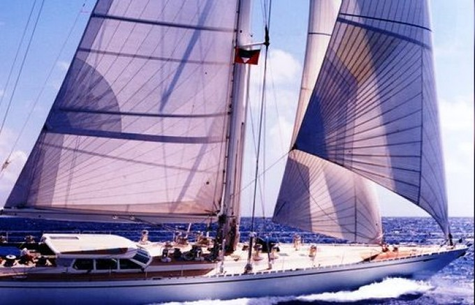 CYCLOS III - Photo by Royal Huisman