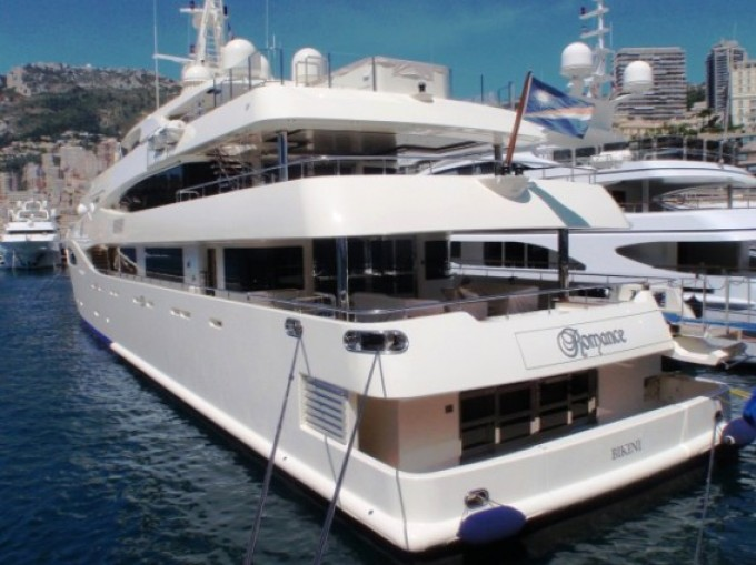 This 57 metre (185 foot) luxury yacht was crafted at CRN Yachts (Ferretti ...