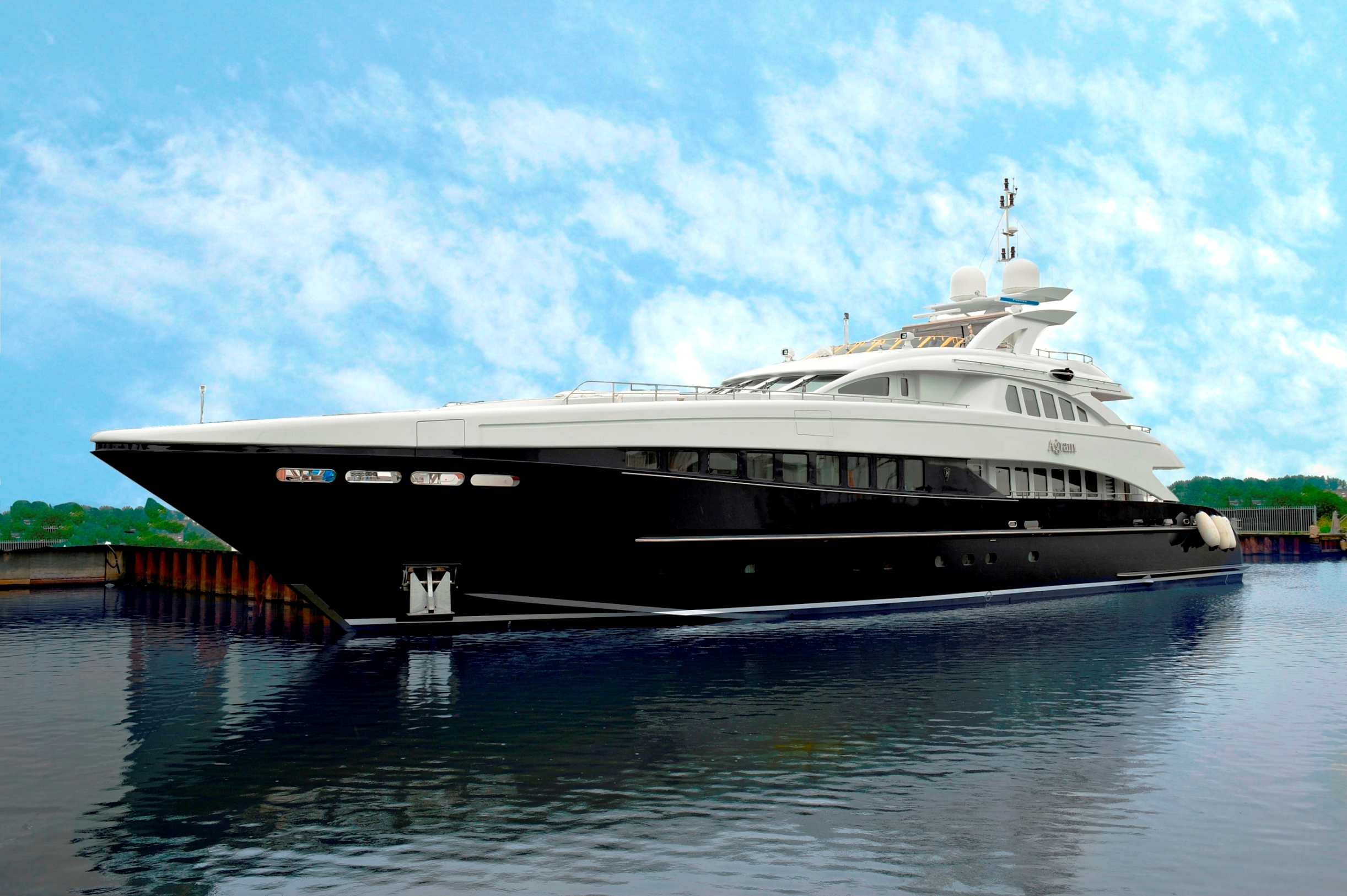 Yacht AGRAM, Heesen Yachts | CHARTERWORLD Luxury ...