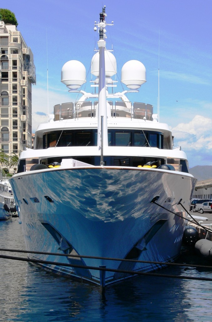 Yacht DYNASTY Bow - Image Courtesy of LiveYachting