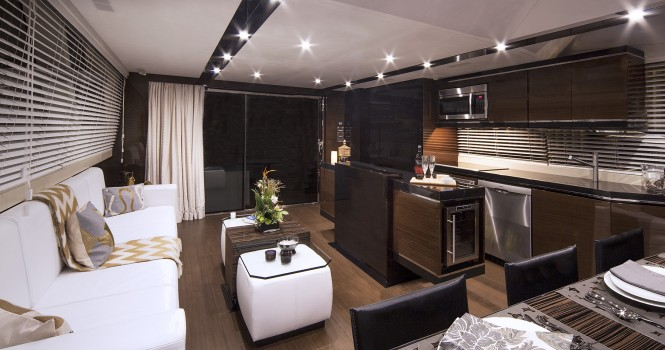 Luxury yacht Alpha 87 Express Sportbridge - Salon