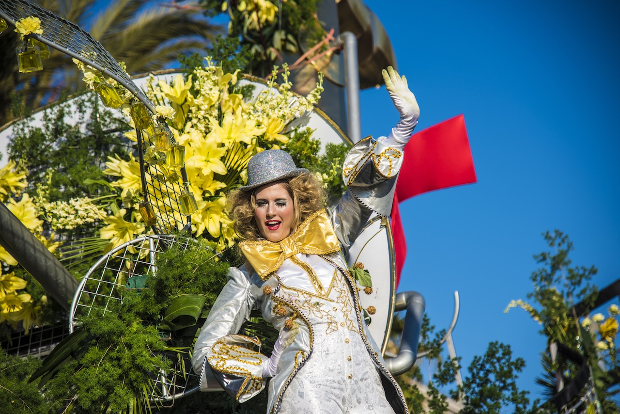 BATAILLE DE FLEURS 2015 - Carnival in Nice - The Nice Convention and Visitors Bureau