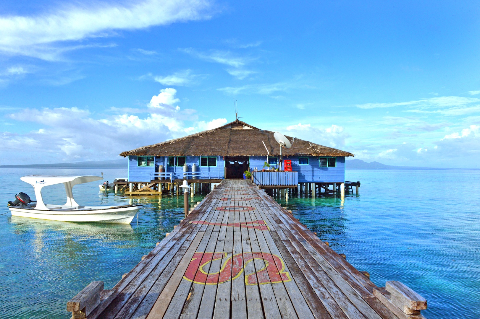 Fatboys Resort (bar/dining/entertainment deck) – Gizo, Western Province - Photo credit to Solomon Islands Visitors Bureau (SIVB)