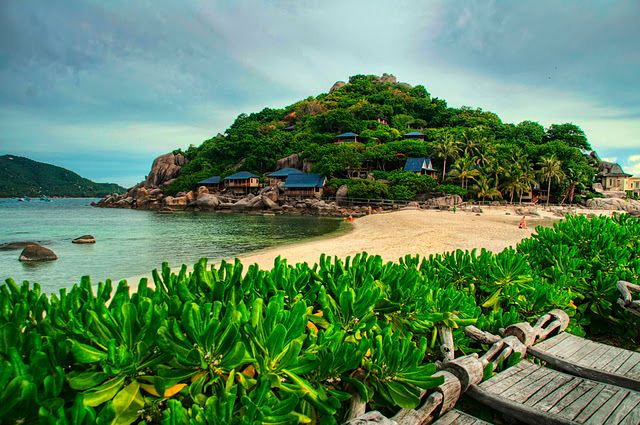 Koh Tao, (Turtle Island), is an island at the Central Gulf Coast of Southern Thailand