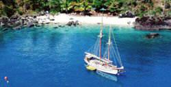 great barrier reef yacht charter