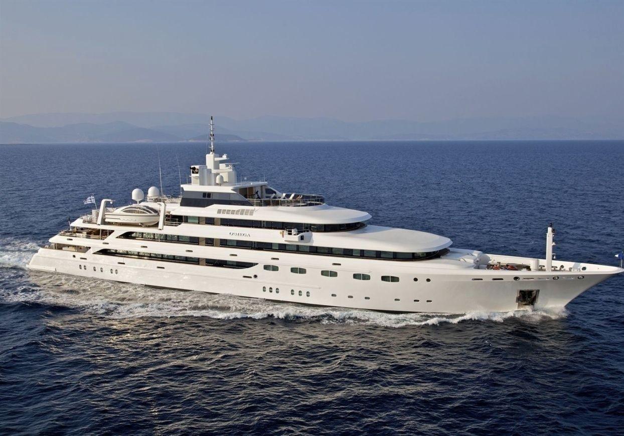 o 39 mega yacht charter details mitsubishi charterworld luxury superyachts. Black Bedroom Furniture Sets. Home Design Ideas