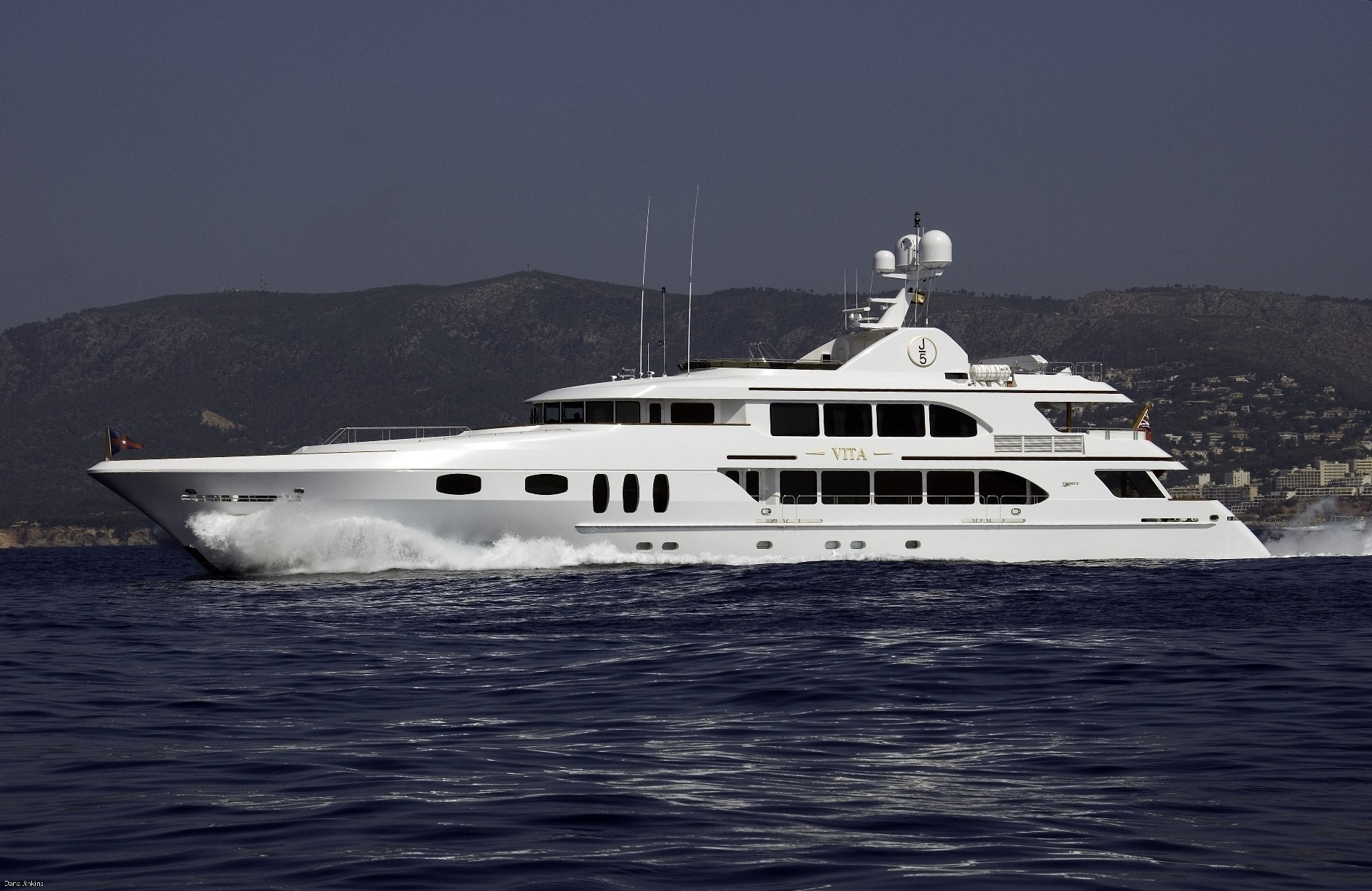 pipe dreams yacht charter details  trinity yachts