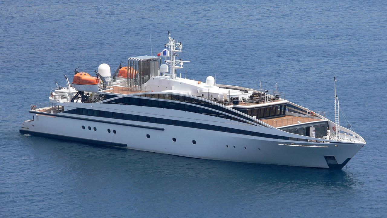 Elegant 007 Motor Yacht Rm Elegant Interior Dinning
