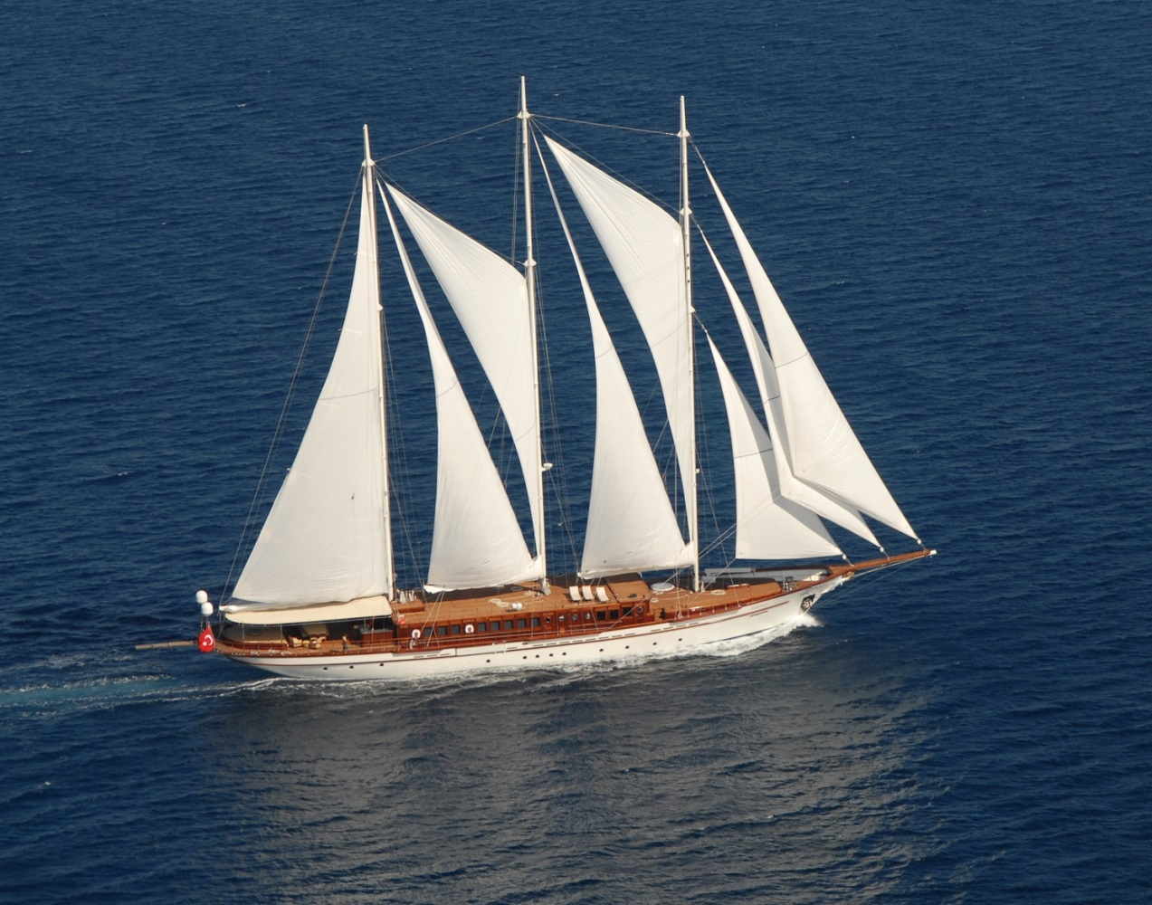 Loretta yacht charter details aegean yacht charterworld - Photo de voilier gratuite ...