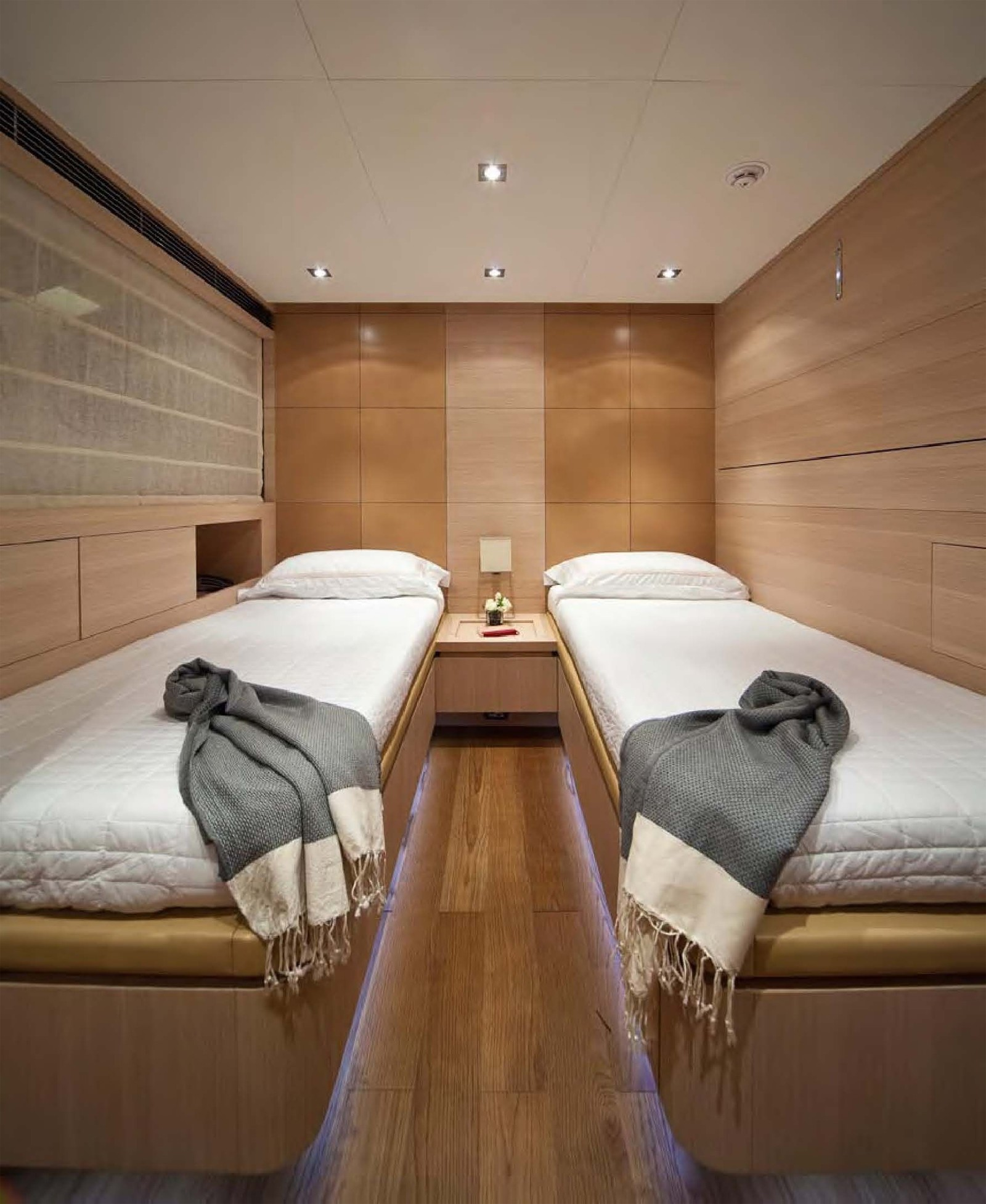Twin Bed Cabin On Board Yacht FAN TOO
