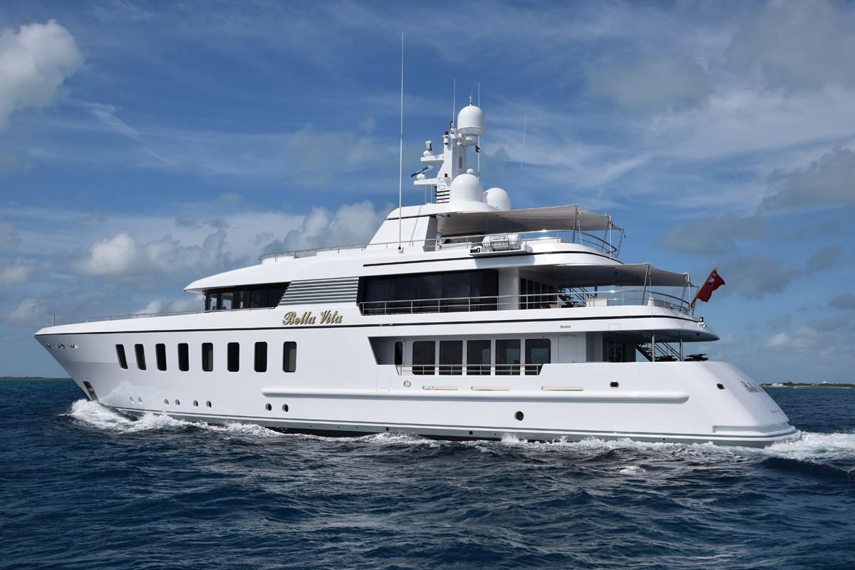 Front street shipyard refitting classic superyacht berilda for The bella vita