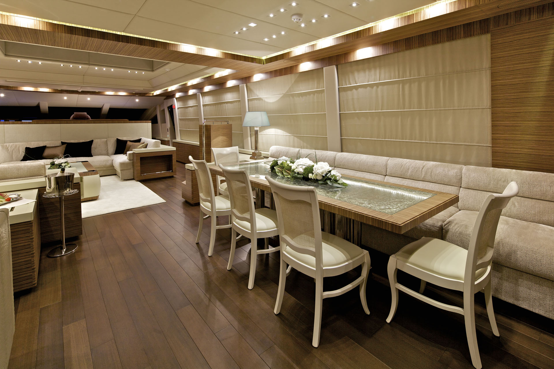 O 39 pati yacht charter details golden yachts charterworld for Formal dining area