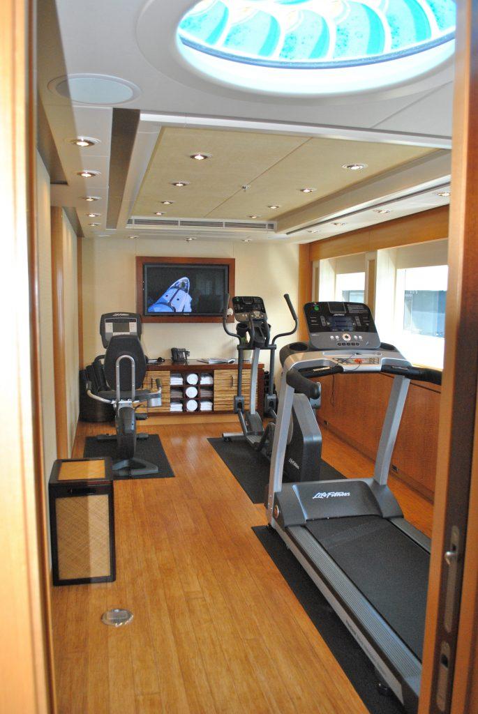 Luxury Yacht Engine Room: HELIOS 3 Yacht Charter Details, Delta Marine