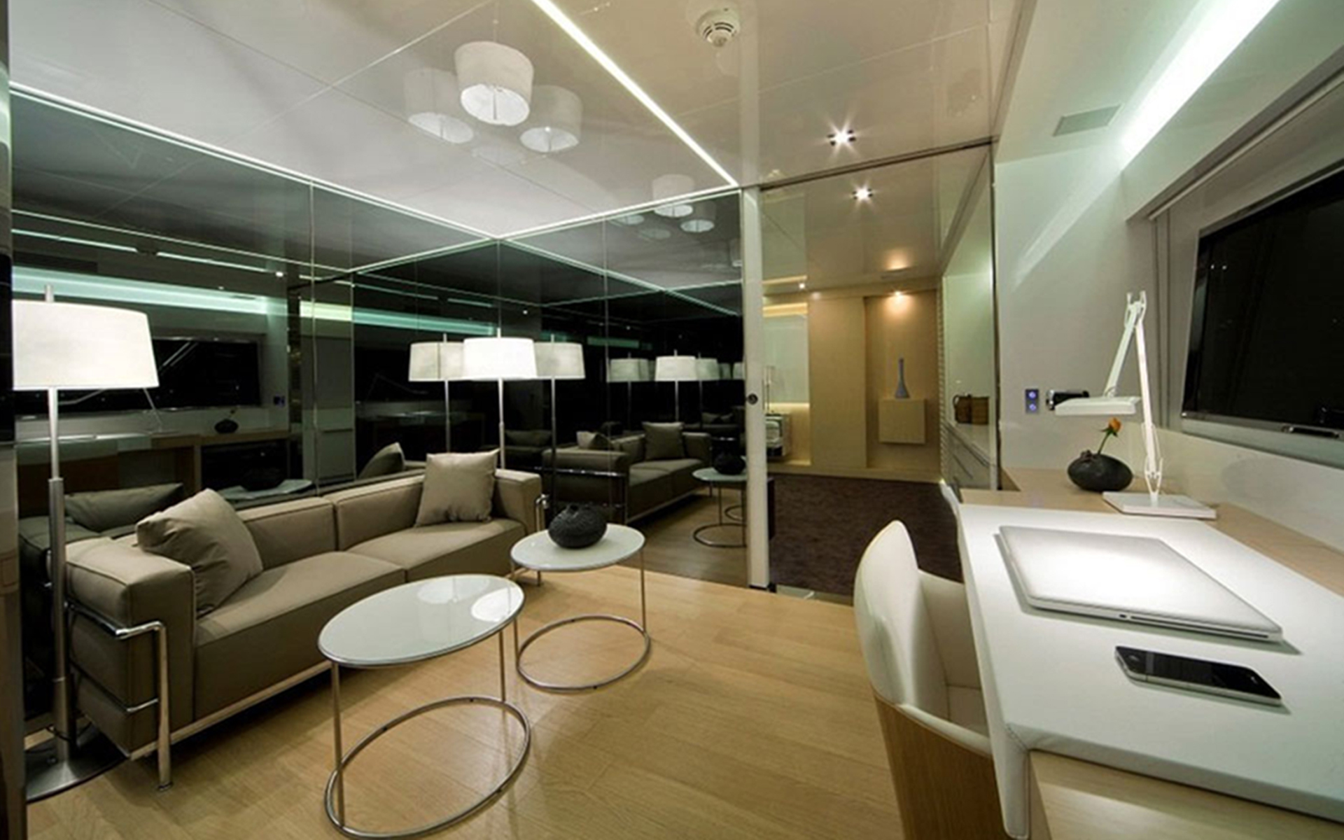 M ocean yacht charter details arcadia yachts for Programmi interior design