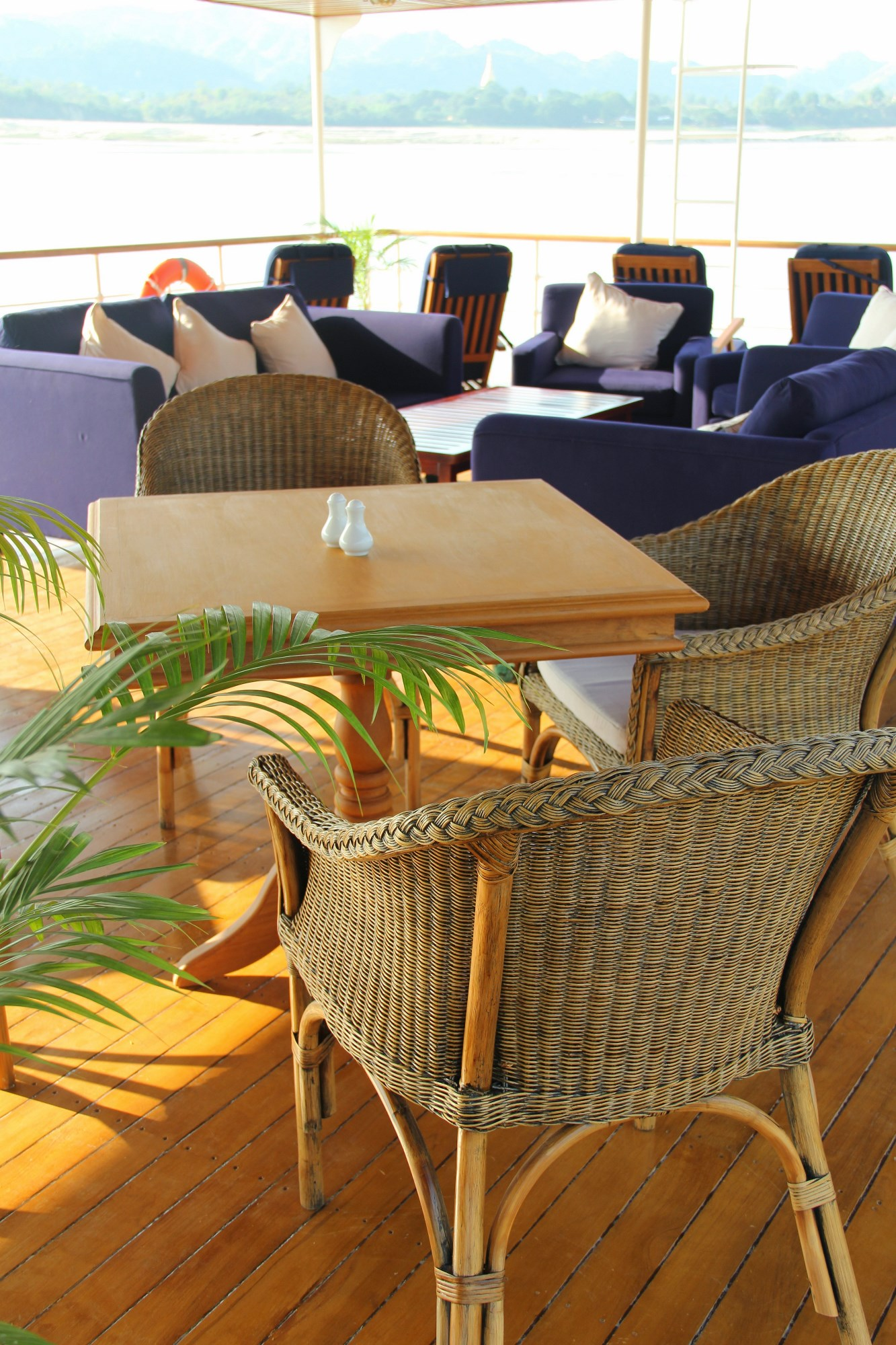 Deck Image Gallery Sail Yacht LEO Deck Chairs Deck