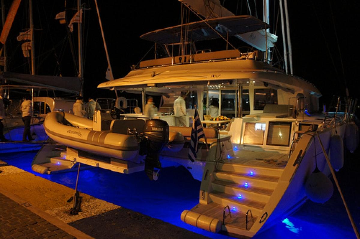 DRAGON Yacht Charter Details, LAGOON 620 | CHARTERWORLD Luxury Superyachts