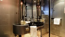 AA Absolute -  Twin Cabin Bath