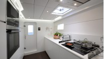 1 Life Yacht - Galley