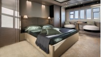 1-Azimut 80 Yacht - Owners suite