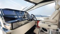 1-Azimut 80 superyacht - Wheelhouse