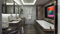 1-Galactica Star Yacht - Bathroom