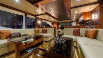 1-Luxury yacht Majesty 70 - Main Saloon