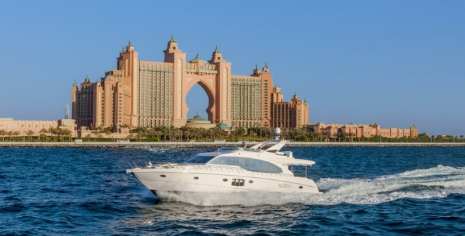 Motor Yacht Majesty 70