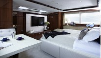 1-Motor yacht Princess 32M - Owners Stateroom