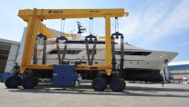 1-SD122 superyacht Therapy at launch