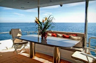 102 Azimut NEVER ENDING JOURNEY - Aft Deck Dining