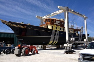 122ft classic motor yacht Atlantide getting closer to her re-launch at Front Street Shipyard