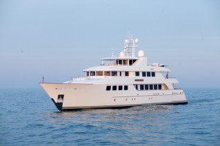 2010 motor yacht LADY GAYLE MARIE - image courtesy of Burger Boat .png