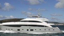 40m-luxury-motor-yacht-Imperial-Princess-by-Princess-Yachts