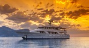 Motor yacht 5 Fishes