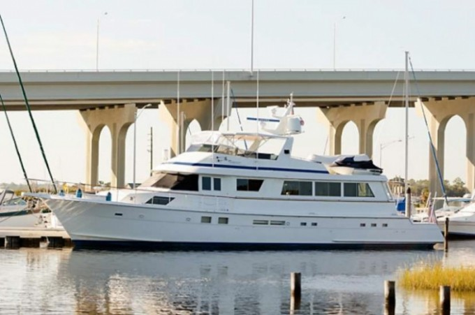 Motor yacht bama breeze hatteras 80 for 80 hatteras motor yacht