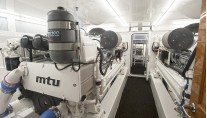 77ft motor yacht Blank Check - Engine Room