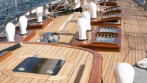 80ft Mulligan yacht - deck